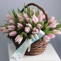 Корзина 31 розовый тюльпан с оформлением R998