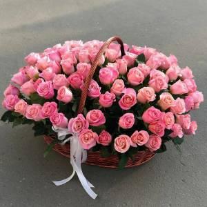 Корзина цветов, 201 красная роза со словом «маме» R2103