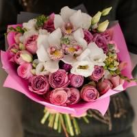 Сборный букет орхидей и кустовых роз R77